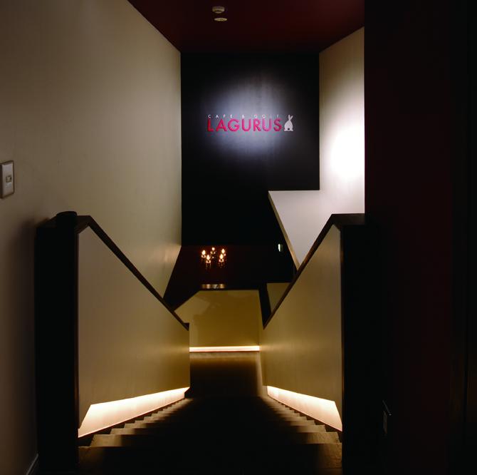 Lagurusエントランス階段